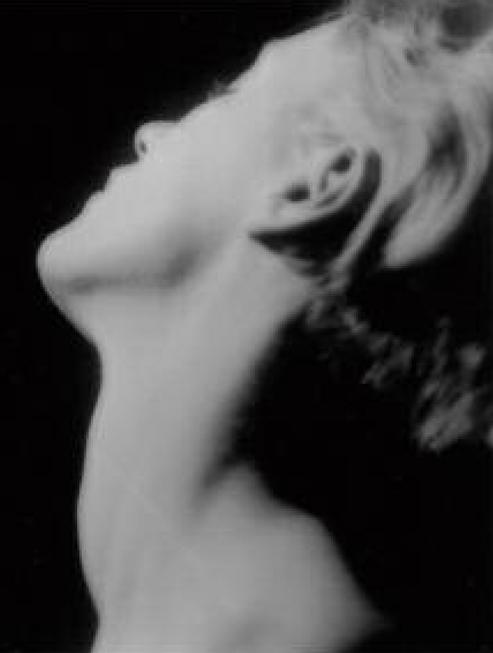 Lee Millers Neck, Paris 1929. Man Ray.  Man Ray Estate / The Penrose Collection, England, 2009 Lee Miller Archives, England 2009  Man Ray Trust / Adagp, Paris 2009 All rights reserved